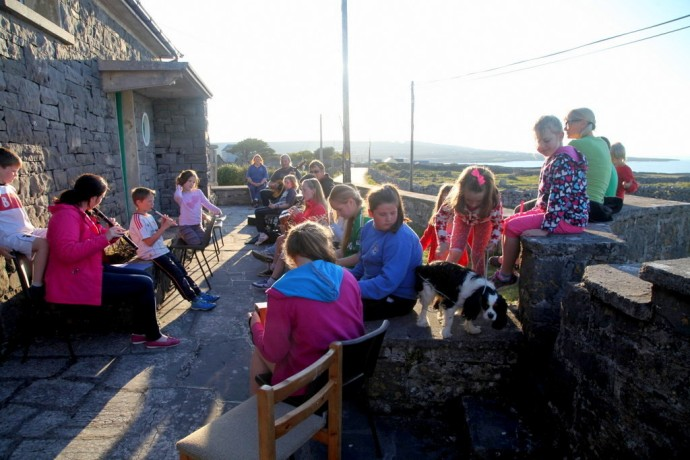 Inis Mor.  A regular gathering of the local Comhaltas group.