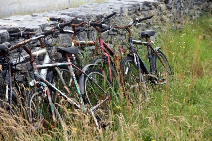 Rusted bikes, Inisheer
