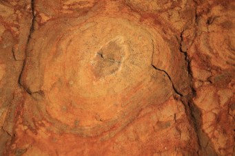 onion skin weathering in laterite