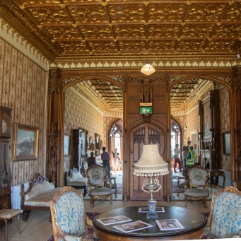 Drawing Room. Note mirrors