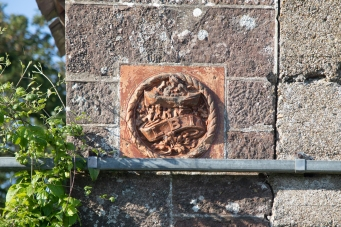 Emblem of the LBI on Lifeboat House Fethard.