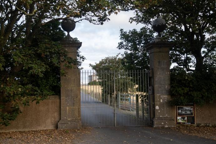 loftus hall-1833